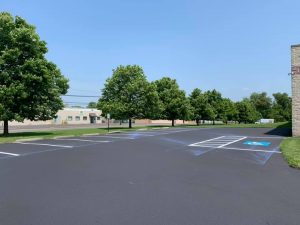 What are the Pros and Cons of Commercial Asphalt Sealcoating, bensalem sealcoating